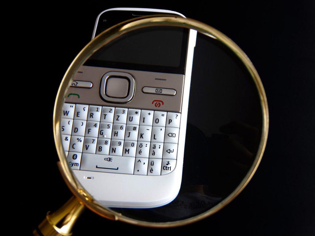 mobile-630289_1920